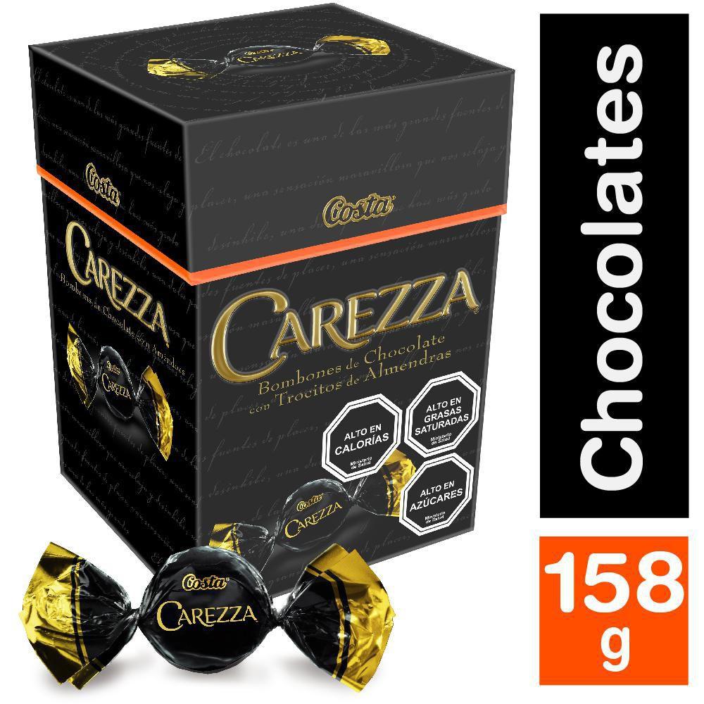 Bombones de chocolate rellenos con almendra