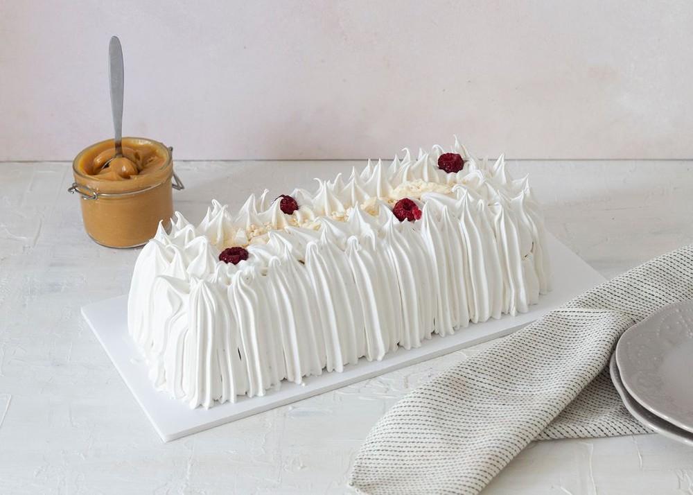 Torta de merengue, frambuesa y manjar Para 15 personas