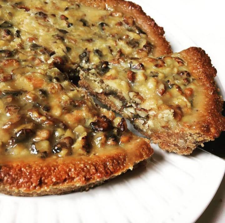 Trozo de tarta o  kuchen de nuez sin azucar - keto - low carb trozo 125 gramos aproximado.