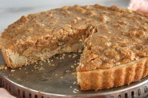 Kuchen de nuez con miel porción porcion
