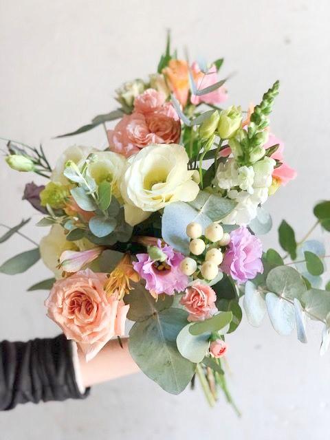 Surtido de estación tonos pasteles 17 a 19 varas flor