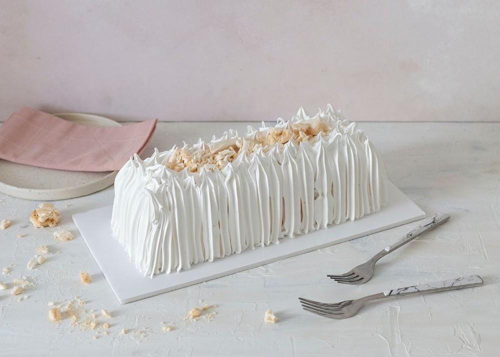 Torta de merengue y lúcuma Para 15 personas