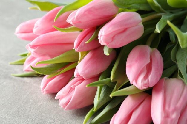 Ramo de tulipanes color a disponibilidad 10 varas de tulipanes