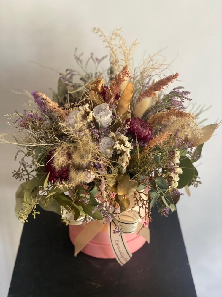 Arreglo de flores secas en cajita Diámetro 12 cm