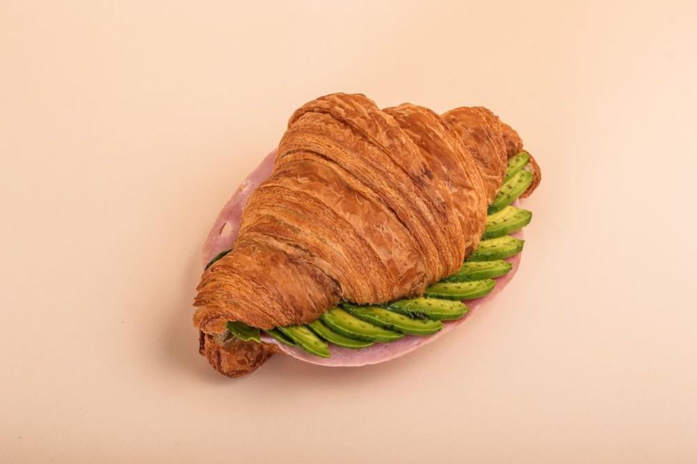Croissant jamón y palta 70 g