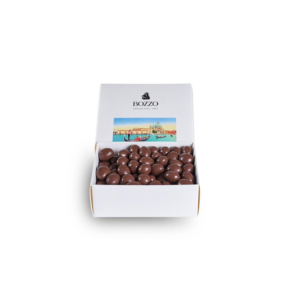 Almendra grajeada en chocolate Caja 250 g
