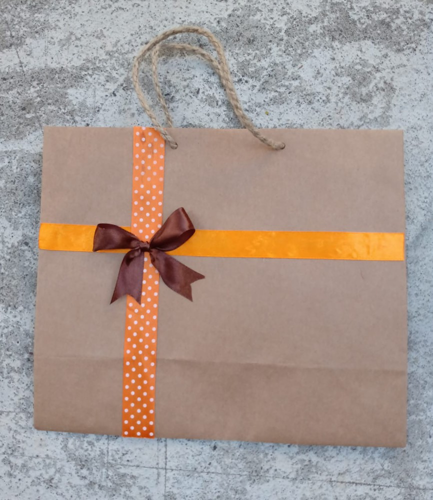 Bolsa de regalo cinta naranja 27x23x11 cm