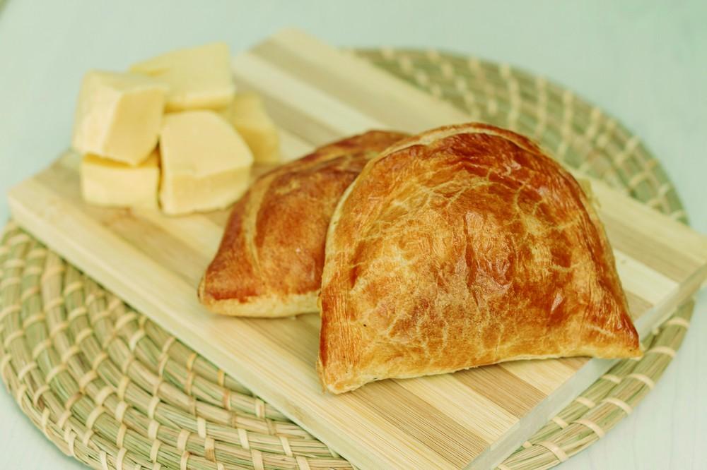 Empanada de Queso (220 gr aprox) Unidad