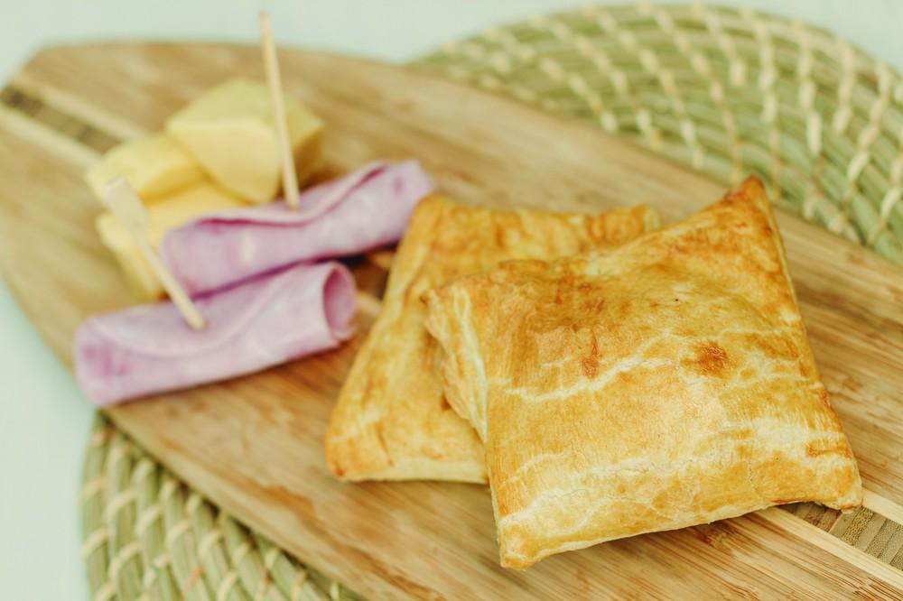 Empanada Jamón Queso (220 gr aprox) Unidad