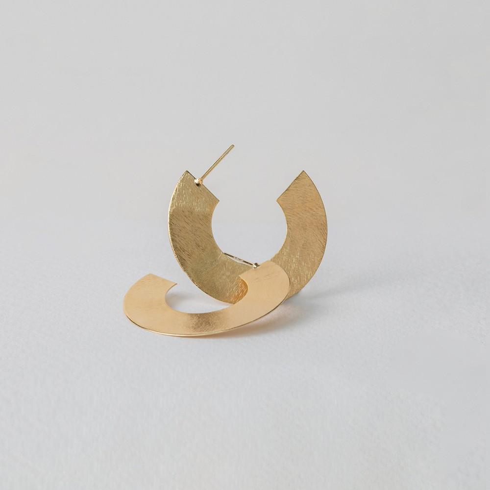 Argolla genova s oro Medidas: 2.5 cm x 2.5 cm