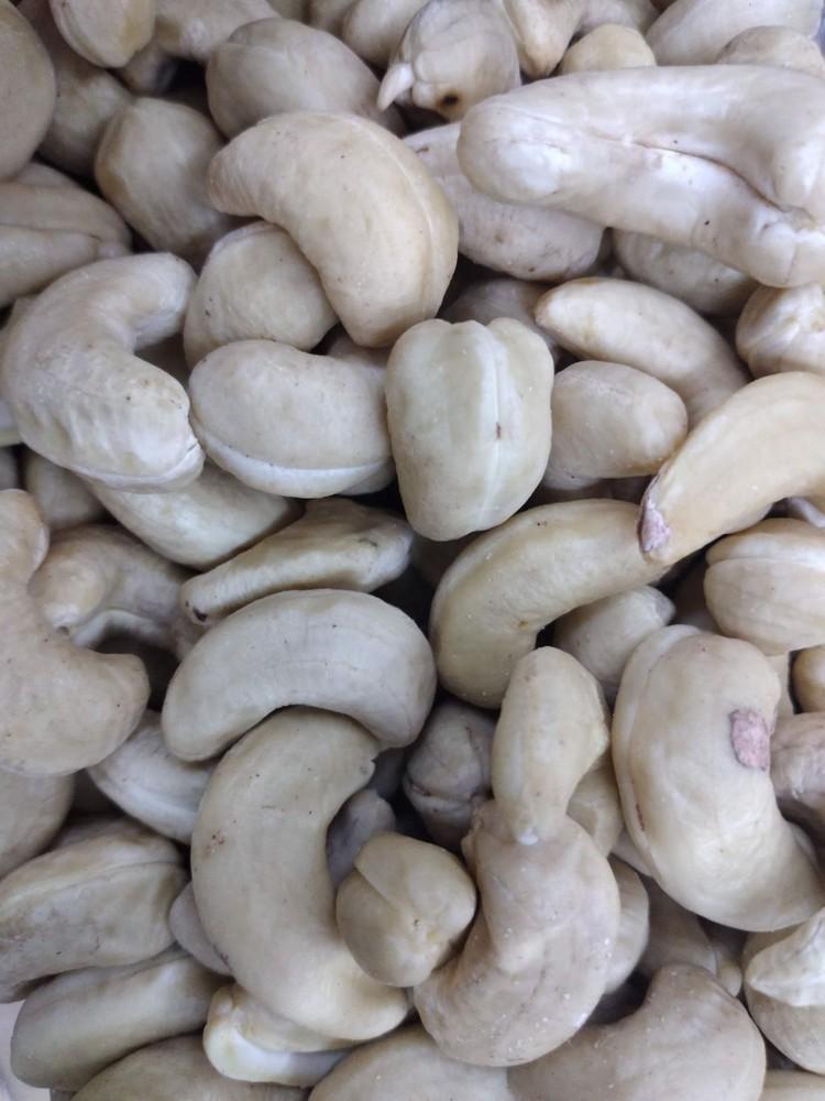 Castañas de cajú natural A granel