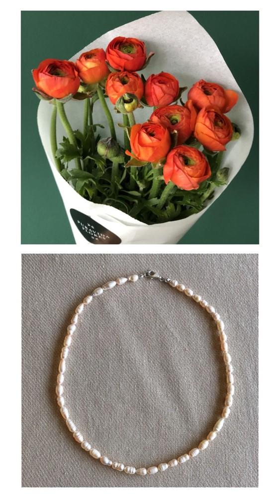 Cucurucho ranúnculos + collar perla barroca + caja puravida