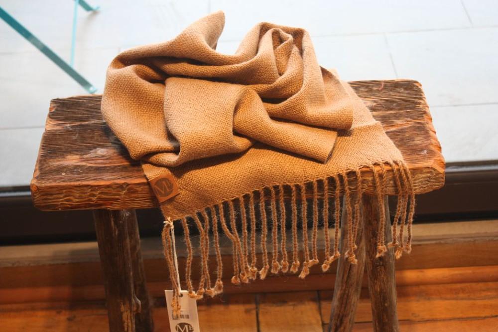 Bufanda de alpaca camel