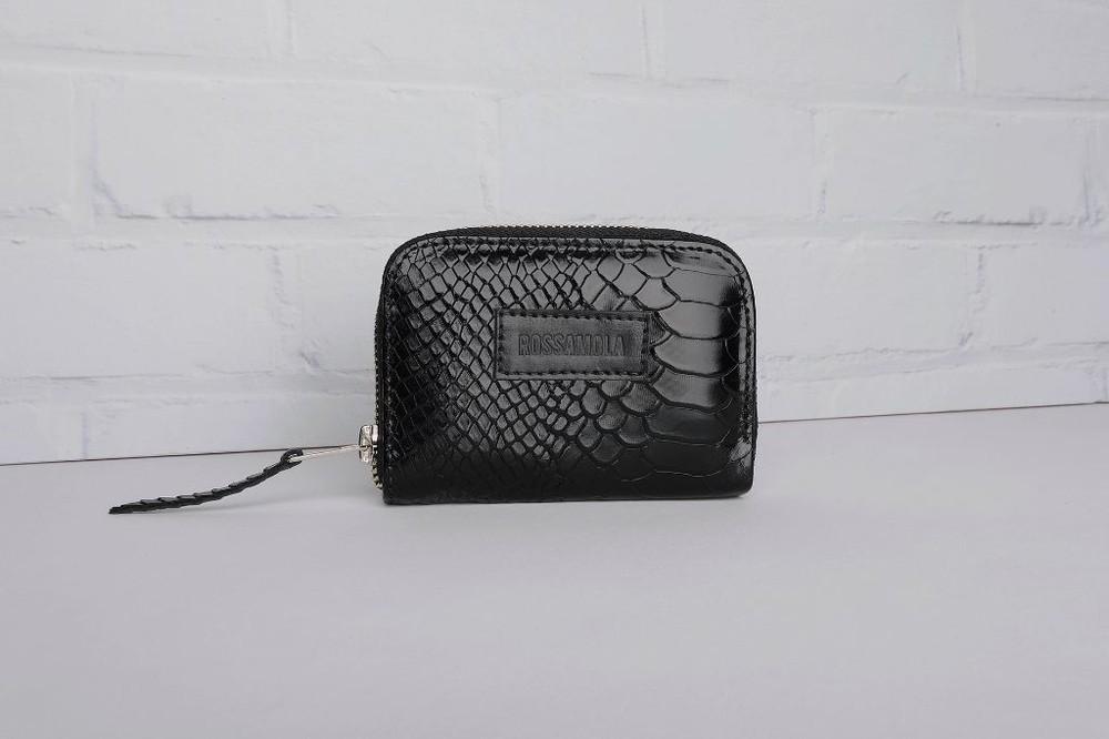 Billetera petit negra 12cm alto x 8cm ancho x 1,5cm fuelle