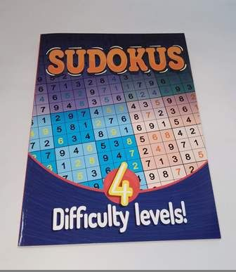 Sudokus 4 difficulty levels Tapa blanda 19 x 27 cm Aprox