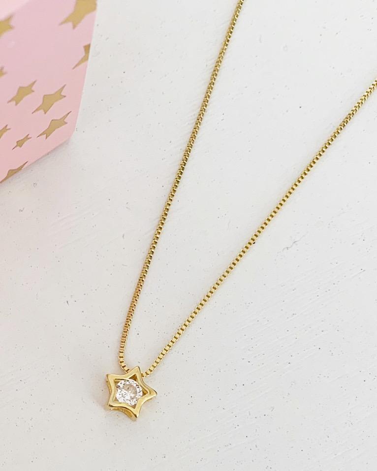 Collar punto de luz estrella baño en oro