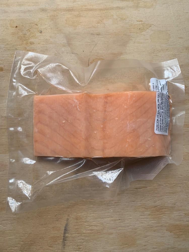 Salmon premium sin piel porciones sellado al vacío