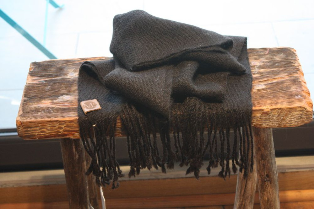 Bufanda de alpaca negro
