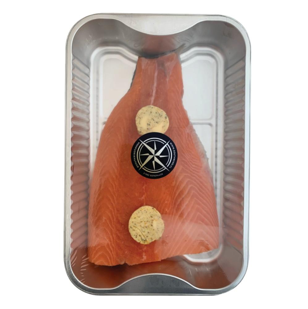 Bandeja de trucha con mantequilla de especias horneable
