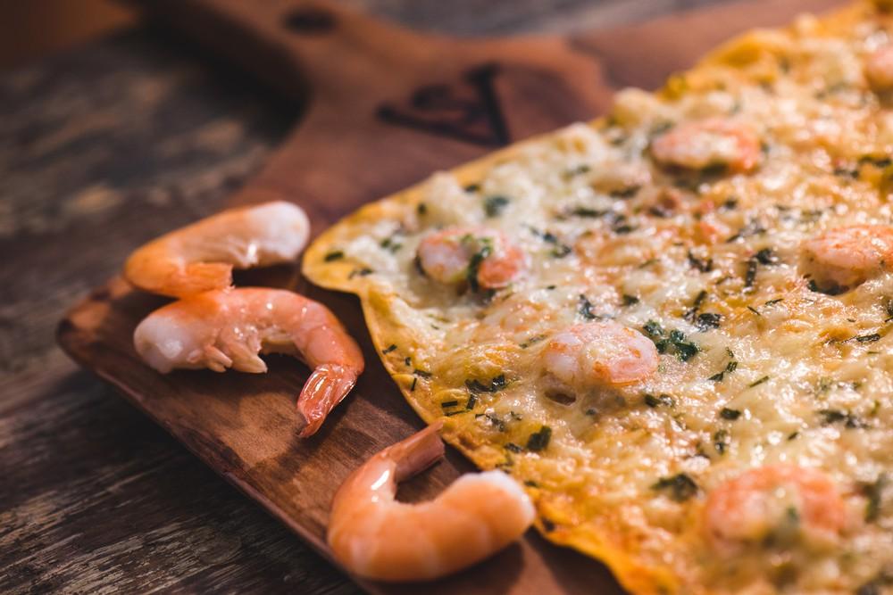 Pizza gamberi 34 x 25 cms (sellado al vacío y congelado)