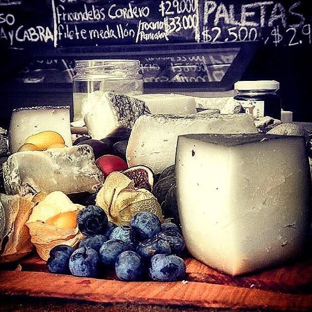 Selección quesos aperitivos 1000 grs aprox.