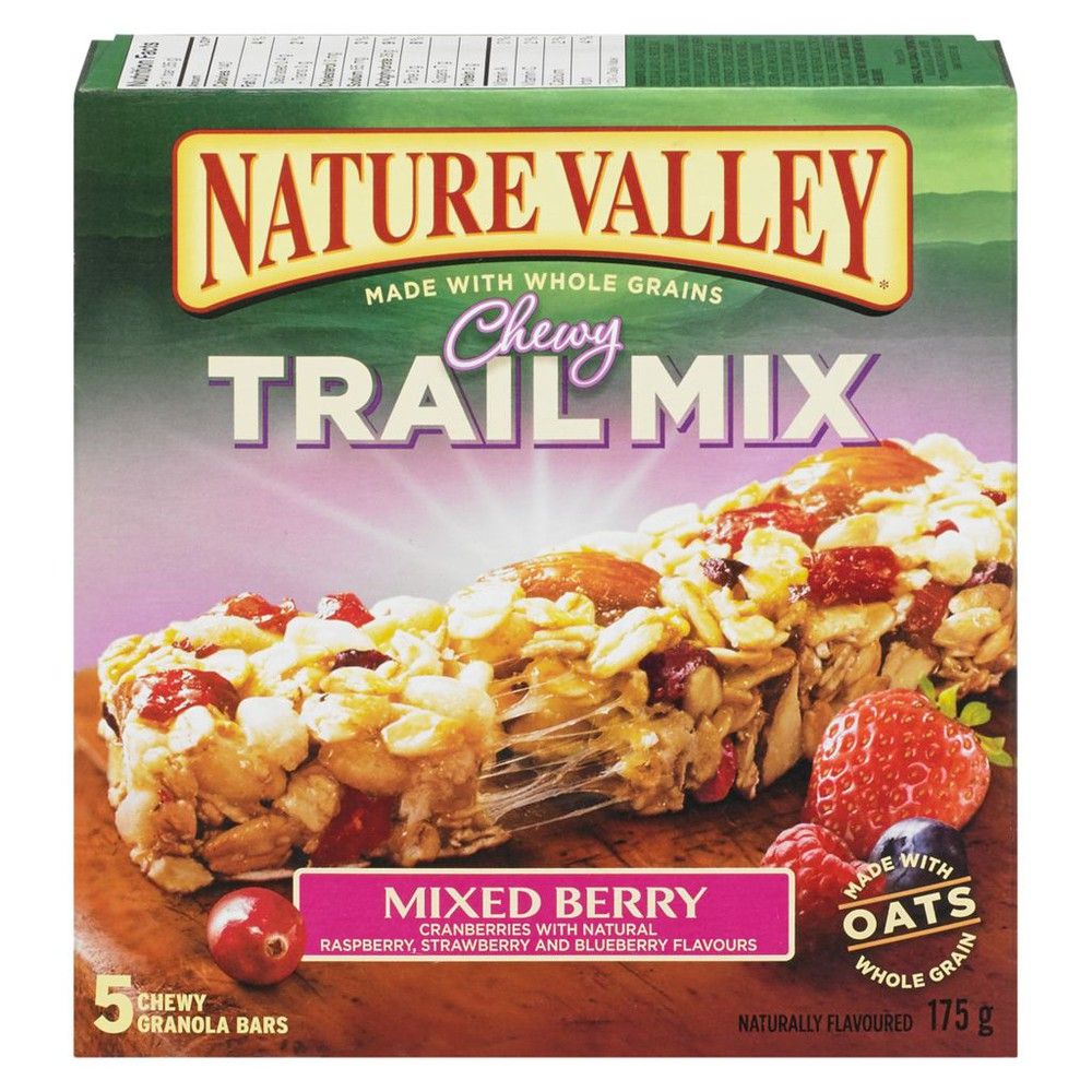 Chewy trail mix granola bars mixed berry