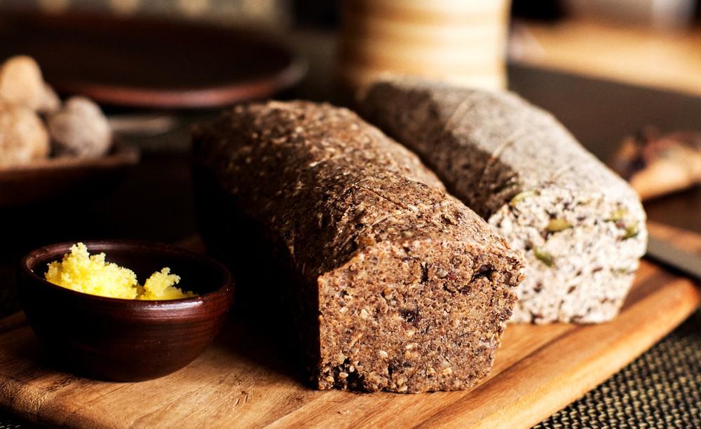 Pan de semillas de sésamo y nueces. 700 grs.