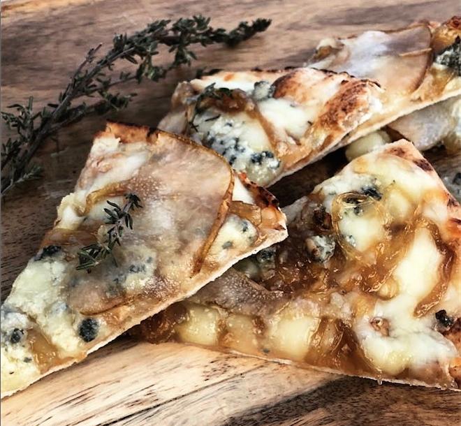 Flatbread queso azul