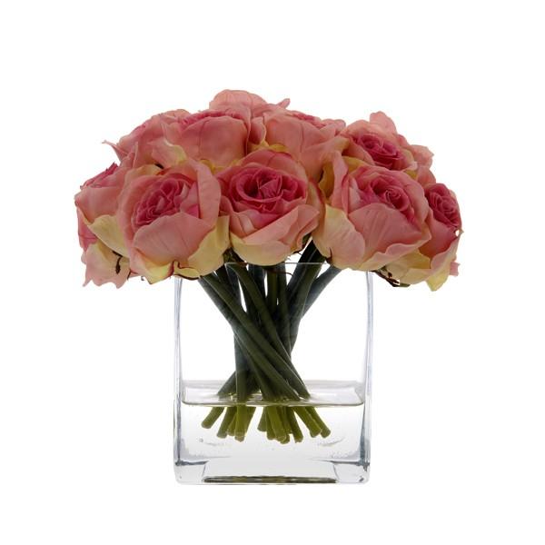 Bouquet de rosas Bouquet de rosas de 22 cms de alto x 15 cms de ancho