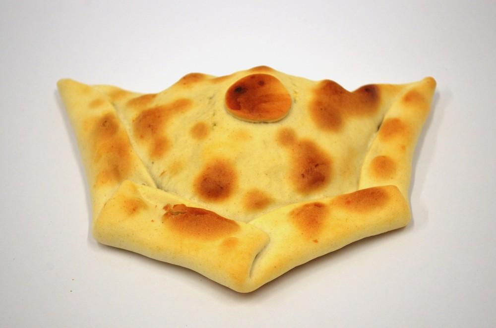 Empanada grande queso con aceituna 160 grs.