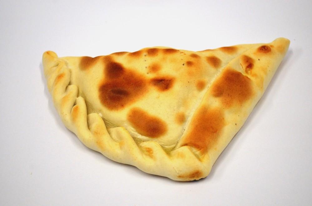 Empanada grande queso con carne mechada 160 grs.